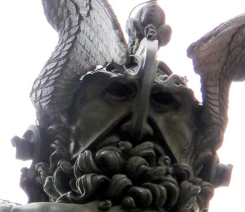 Cellini Perseo autoritratto